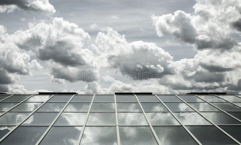 Céu de vidro do telhado imagem de stock royalty free