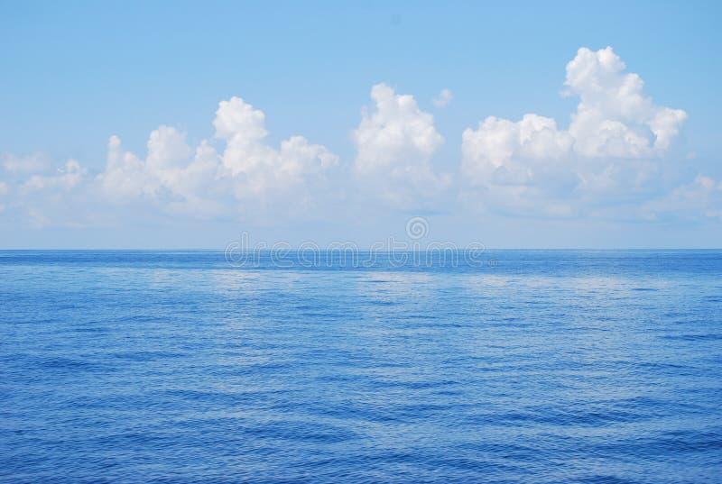 Céu do mar imagens de stock royalty free
