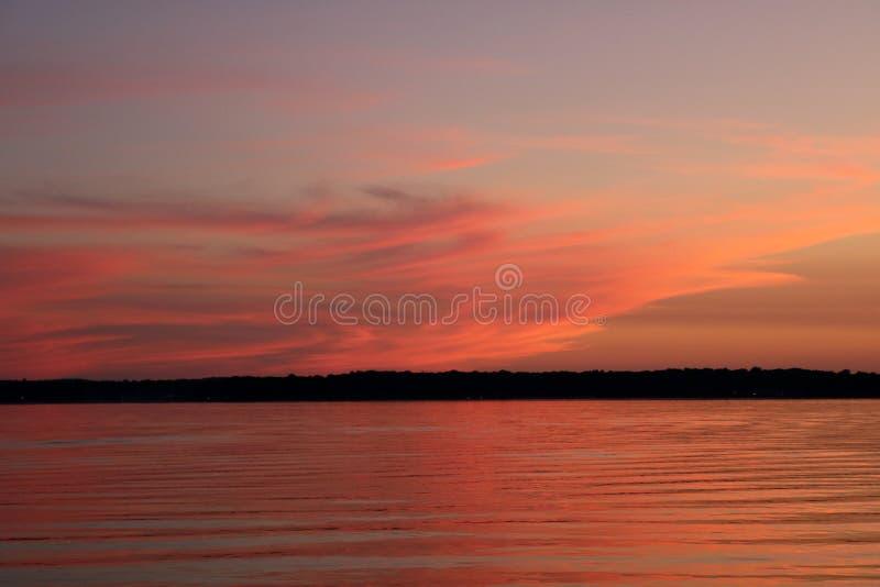 Céu do por do sol do Lago Michigan imagens de stock
