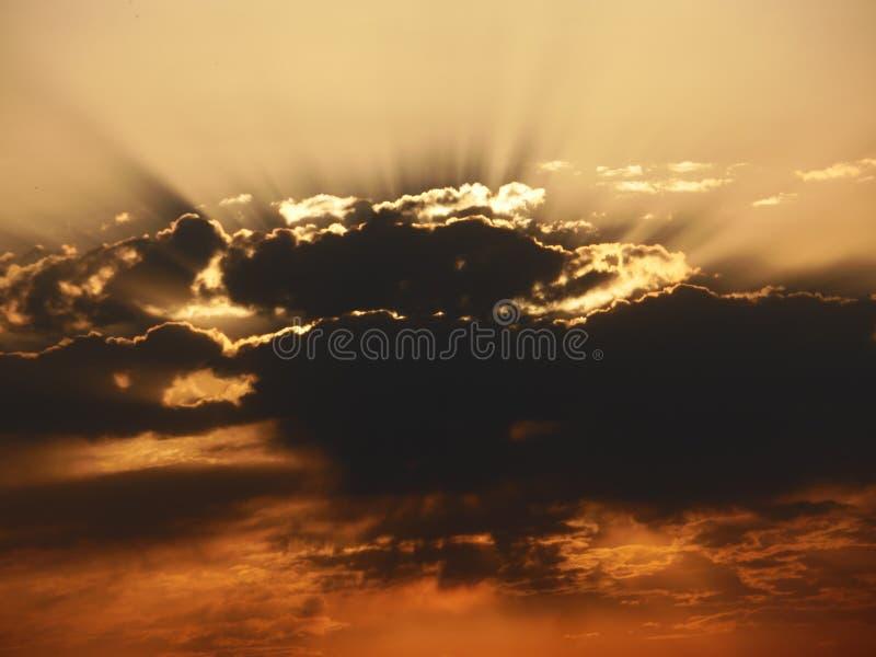 Céu dramático do por do sol foto de stock royalty free