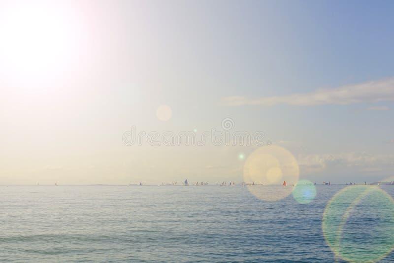 Céu e água perfeitos do mar Mediterrâneo Atenas, Grécia fotografia de stock