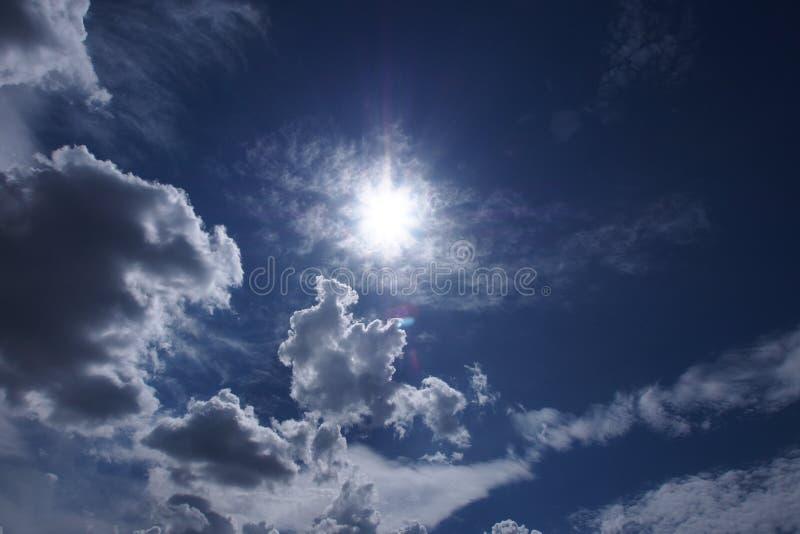 Céu e o sol fotos de stock