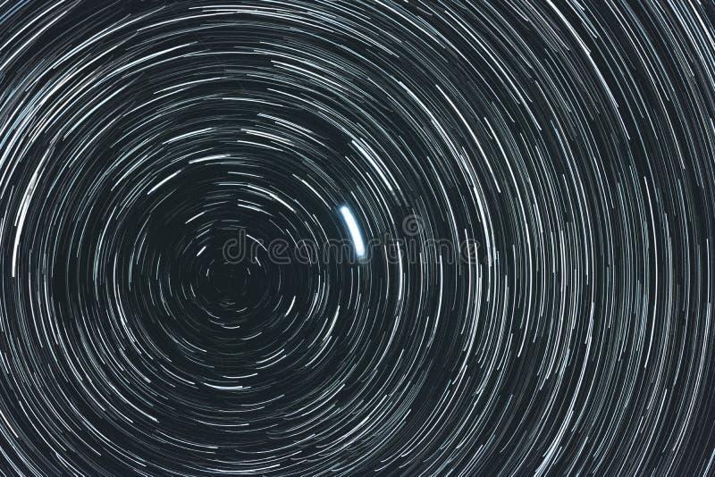 Céu estrelado com fugas imagens de stock