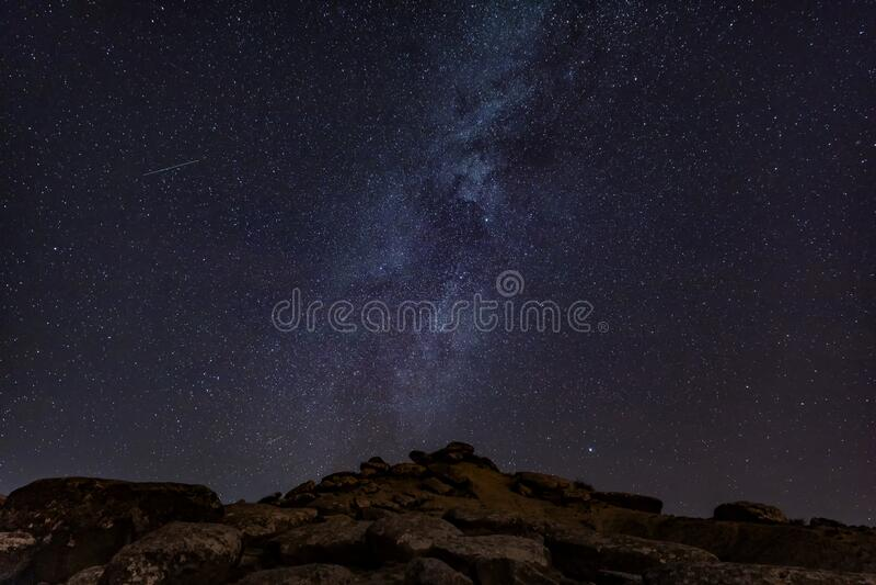 céu estrelado e leitoso no céu fotos de stock royalty free