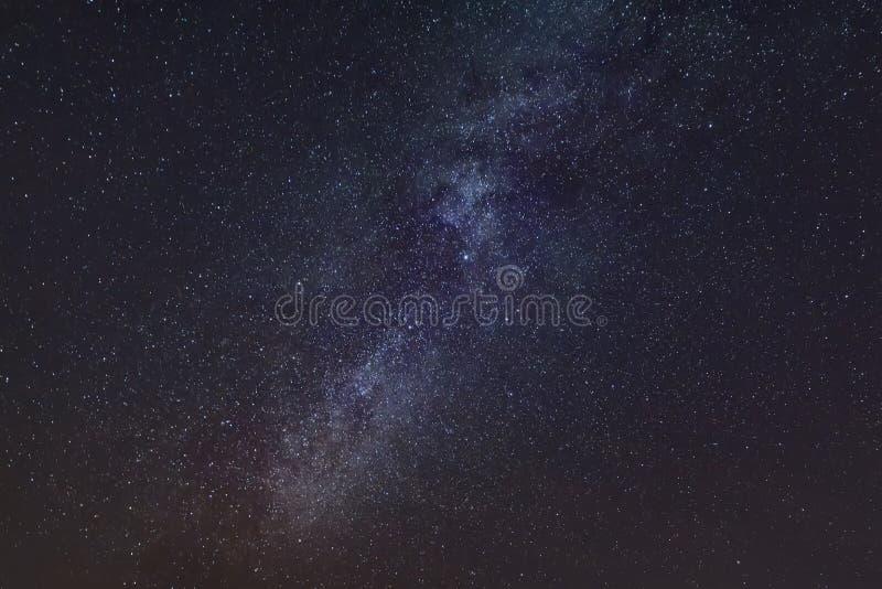 céu estrelado e leitoso no céu imagem de stock