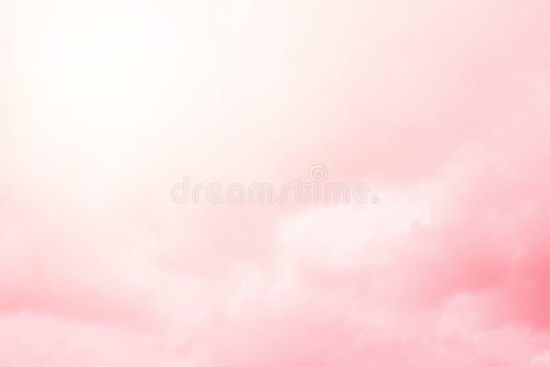 Céu nebuloso artístico com inclinação pastel, fundo abstrato fotografia de stock