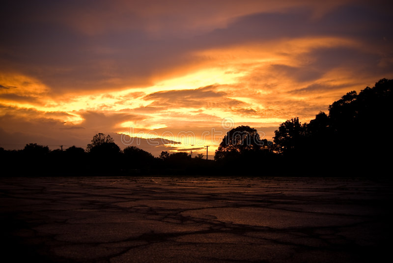 Céu tormentoso no por do sol   foto de stock royalty free