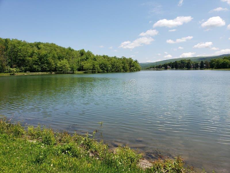 Céus da serenidade no lago Ethel foto de stock royalty free