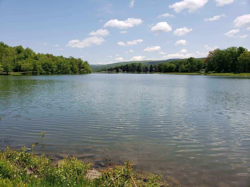 Céus da serenidade no lago Ethel fotografia de stock royalty free