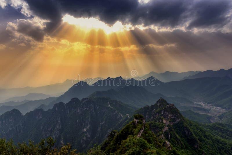 Céus do Grande Muralha e de abertura imagens de stock