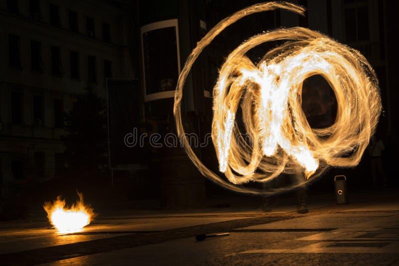Círculo da mostra do fogo da hora da terra foto de stock