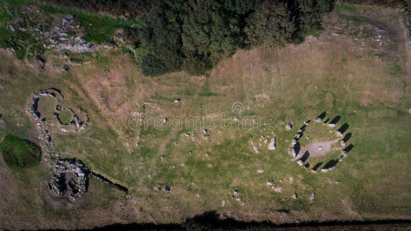 Círculo de pedra de Drombeg da vista aérea Cortiça do condado ireland imagens de stock