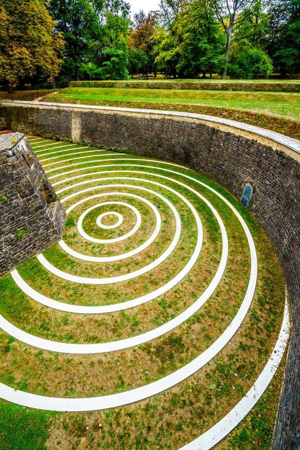 Círculos concêntricos nas ruínas de Lambert Redoubt imagens de stock royalty free