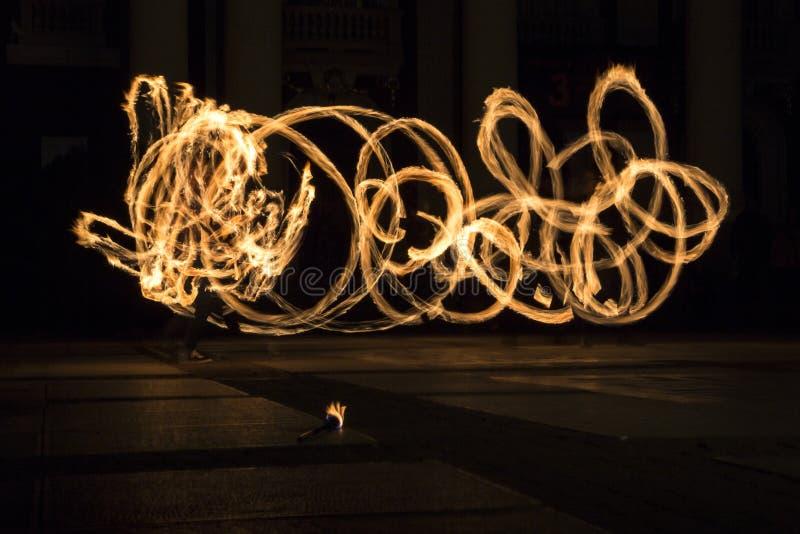 Círculos da mostra do fogo da hora da terra imagem de stock royalty free