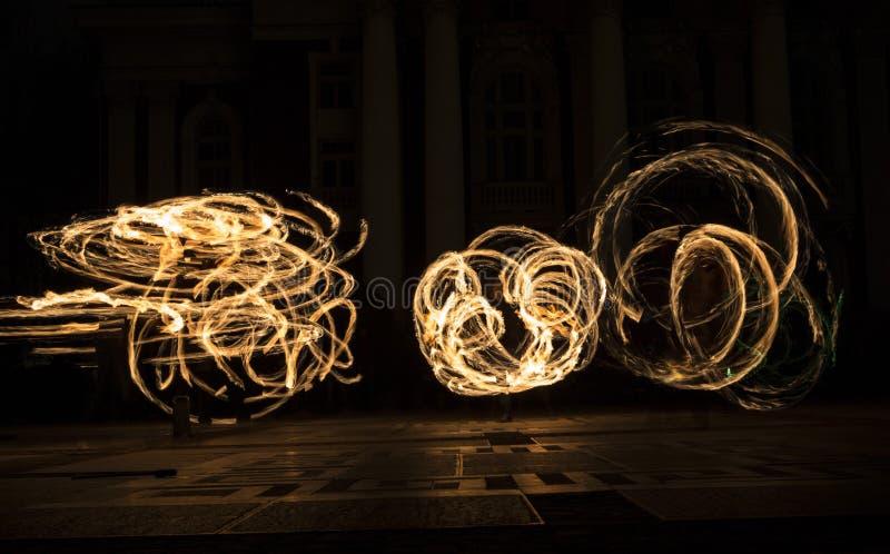 Círculos da mostra do fogo da hora da terra imagem de stock