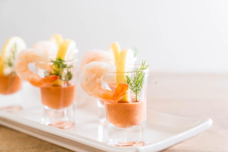 Cóctel de camarón con la salsa foto de archivo libre de regalías