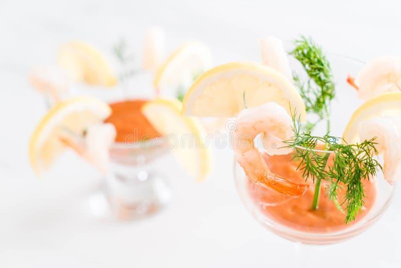 Cóctel de camarón con la salsa fotografía de archivo libre de regalías