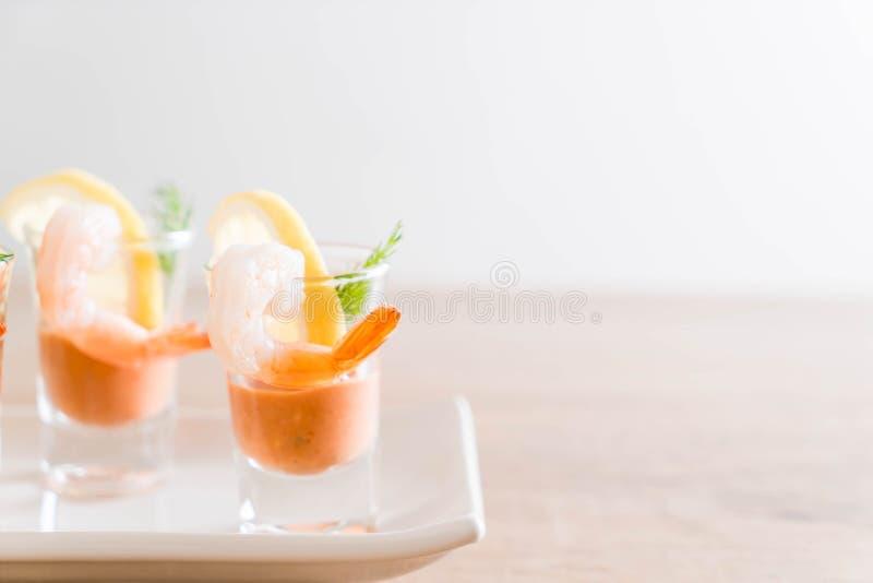 Cóctel de camarón con la salsa fotos de archivo libres de regalías