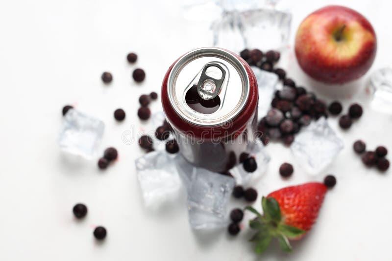 Cóctel de la grosella negra, dieta sana de restauración del jugo Bebida fría imagen de archivo libre de regalías