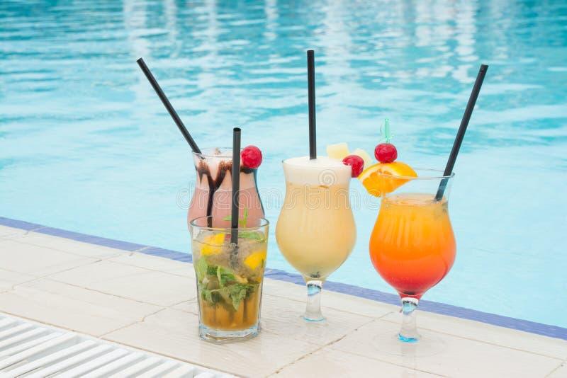Cóctel de la piscina del verano foto de archivo libre de regalías