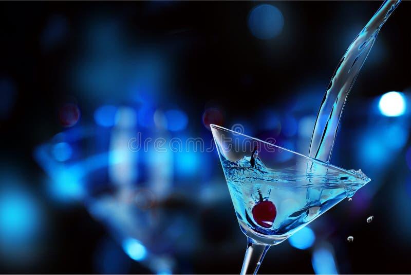 Cóctel verde de Martini en vidrio en empañado foto de archivo