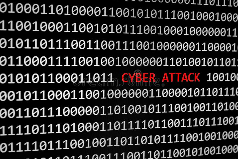 Código binario y texto cibernético del ataque