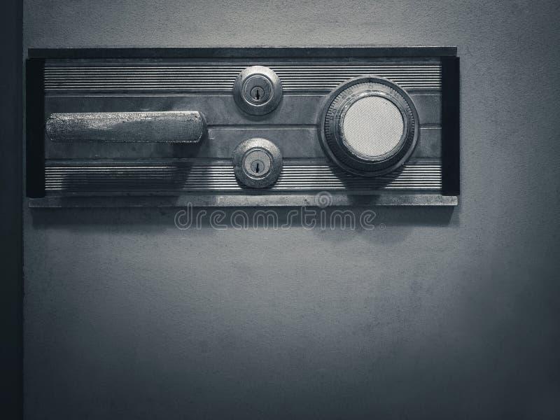 Código de cerradura seguro en seguridad de la contraseña del banco de la caja de seguridad imagen de archivo
