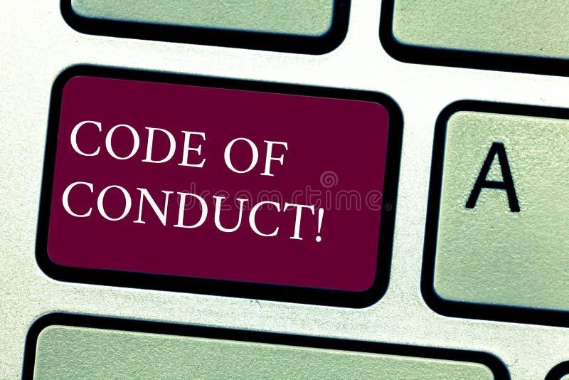 Código de conducta del texto de la escritura de la palabra Concepto del negocio para los principios Follow y estándares para el t fotografía de archivo libre de regalías