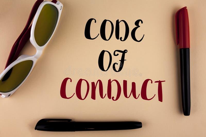 Código de conducta del texto de la escritura de la palabra Concepto del negocio para los principios Follow y estándares para la i imagen de archivo libre de regalías