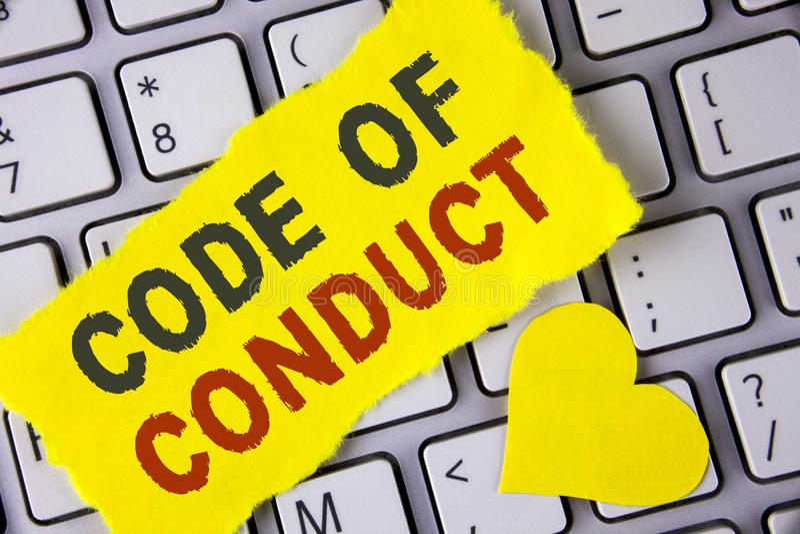 Código de conducta del texto de la escritura de la palabra Concepto del negocio para los principios Follow y estándares para la i fotos de archivo