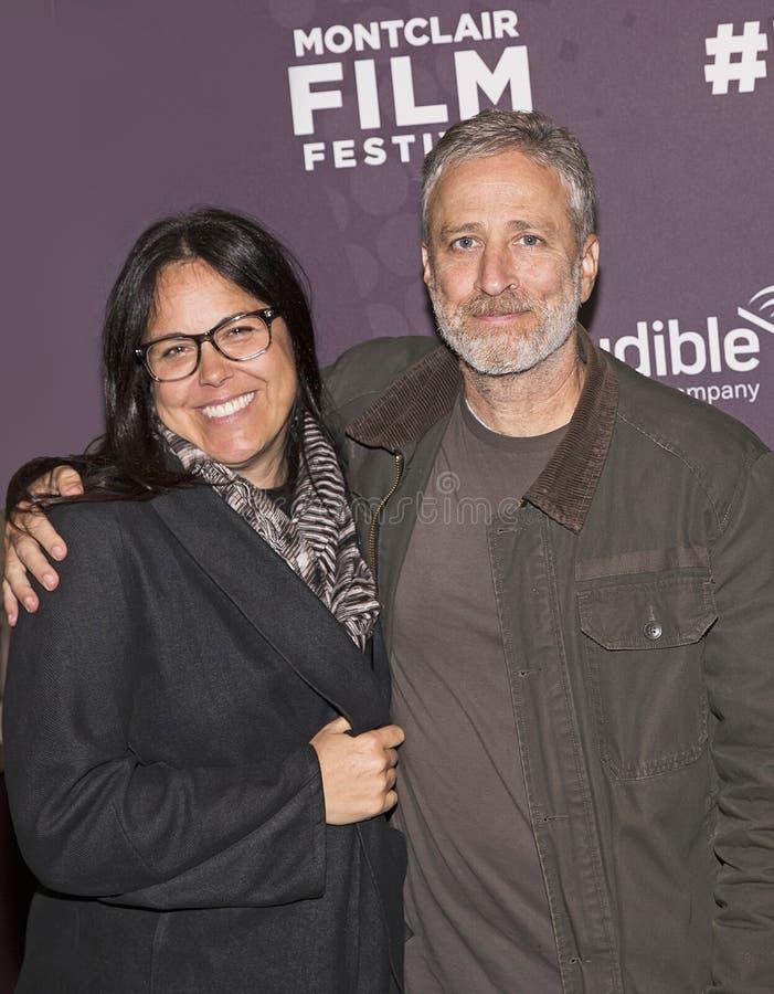 Cómico Jon Stewart y esposa Tracey Stewart fotografía de archivo