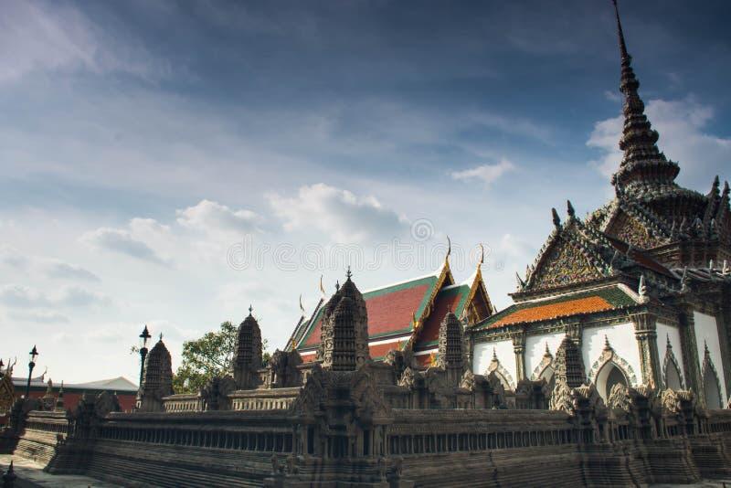Cópia diminuta de Angkor Wat Temple em Wat Phra Kaeo fotos de stock royalty free