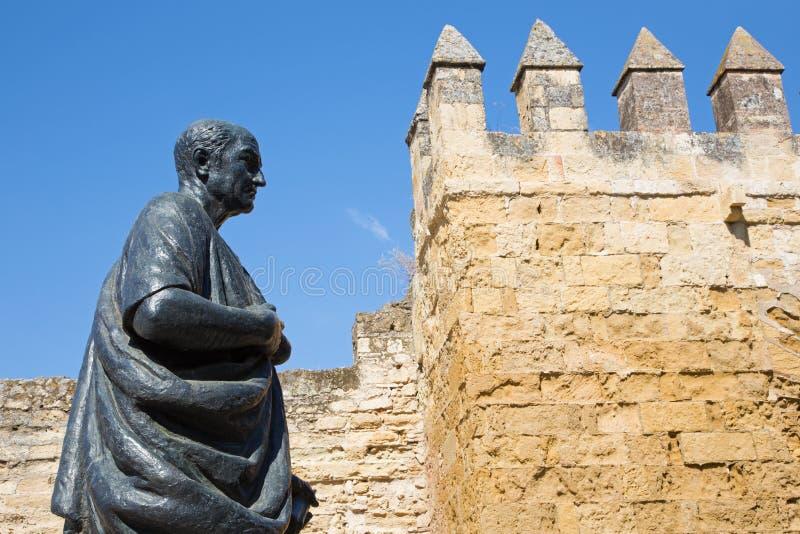 Córdova - a estátua do filósofo Lucius Annaeus Seneca o mais novo por Amadeo Ruiz Olmos foto de stock royalty free