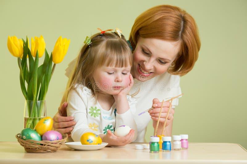 córki Easter jajek macierzysty obraz obrazy stock