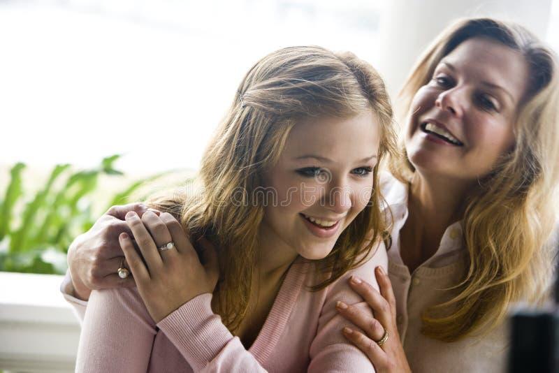 córki nastoletni macierzysty zdjęcia stock