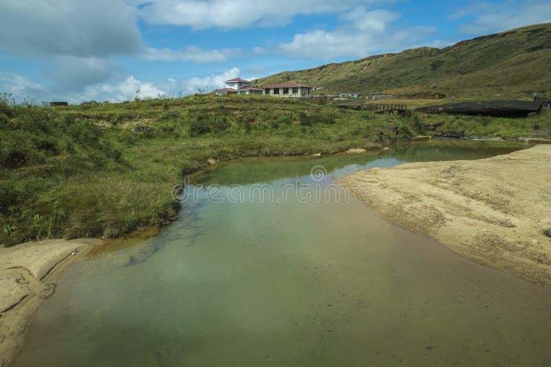 Córrego claro da água perto de Cherrapunjee, Meghalaya, Índia imagens de stock royalty free