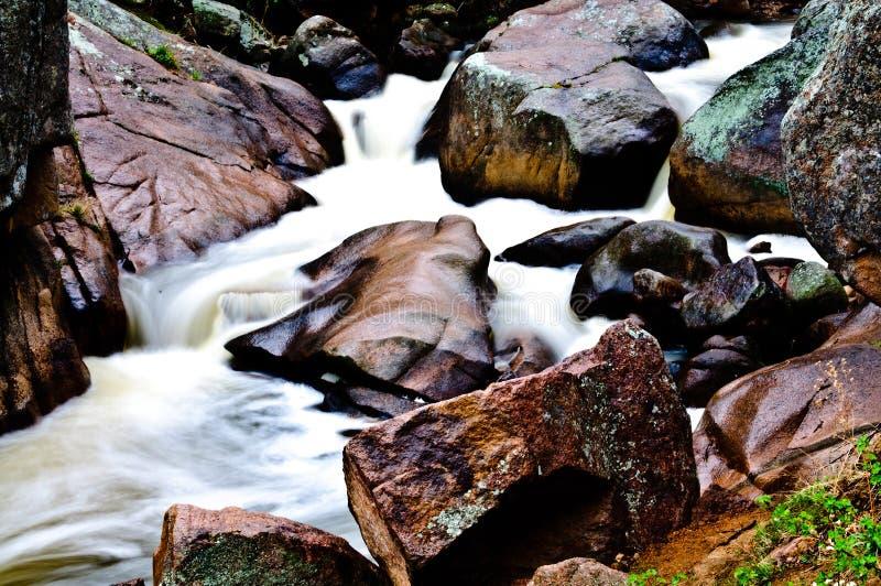 Córrego da montanha rochosa de Colorado das rochas fotos de stock