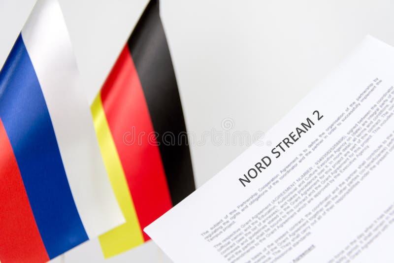 Córrego do nord da bandeira de Rússia Alemanha imagens de stock