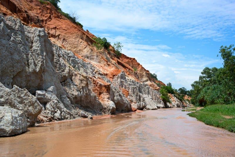 Córrego feericamente & x28; Suoi Tien& x29; em Mui Ne, Vietname foto de stock royalty free