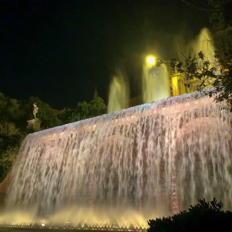 Córregos da água iluminados imagens de stock
