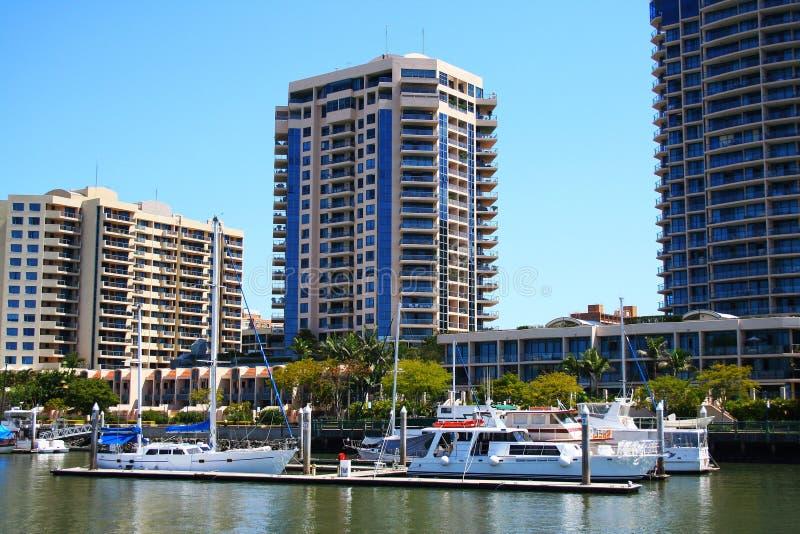 Côté de fleuve de ville de Brisbane photos libres de droits