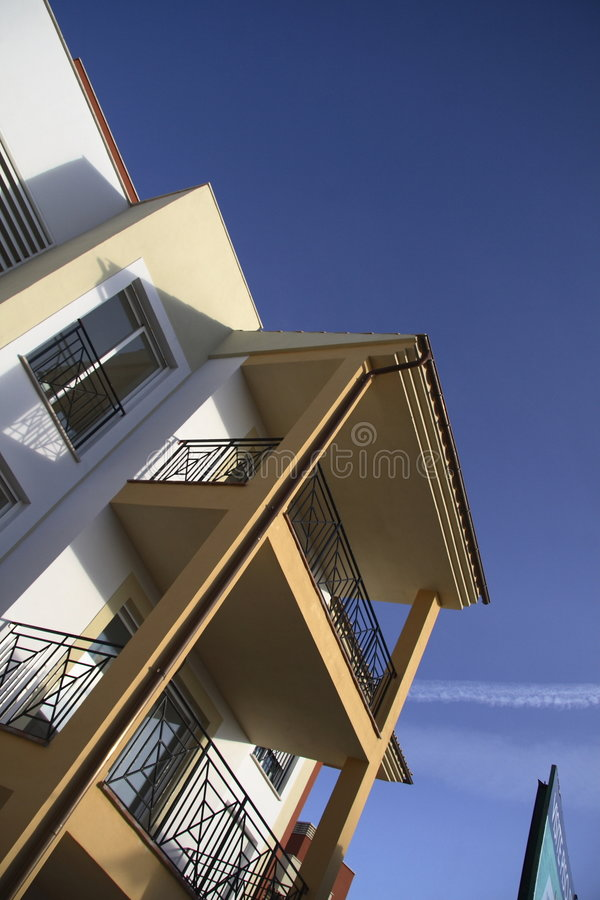 Côté de la construction avec le balcon images libres de droits