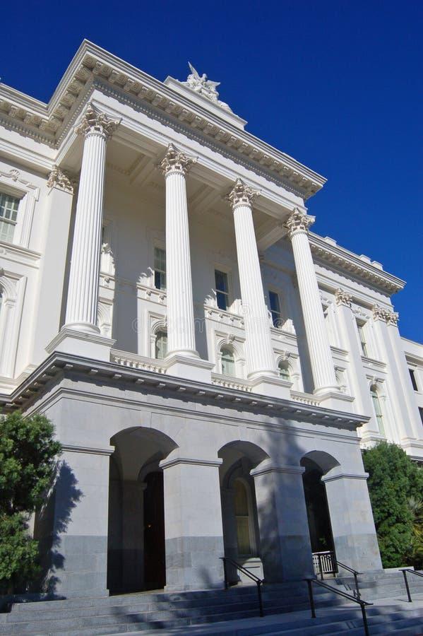 Côté de la construction de capitol d'état de la Californie photographie stock libre de droits