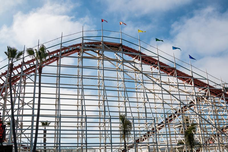 Côte en bois de rouleau de Dipper de géant à San Diego photo stock
