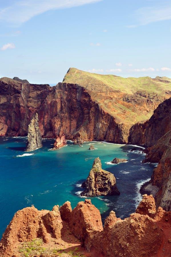 Côte Est d'île de la Madère, Ponta de Sao Loure photographie stock libre de droits