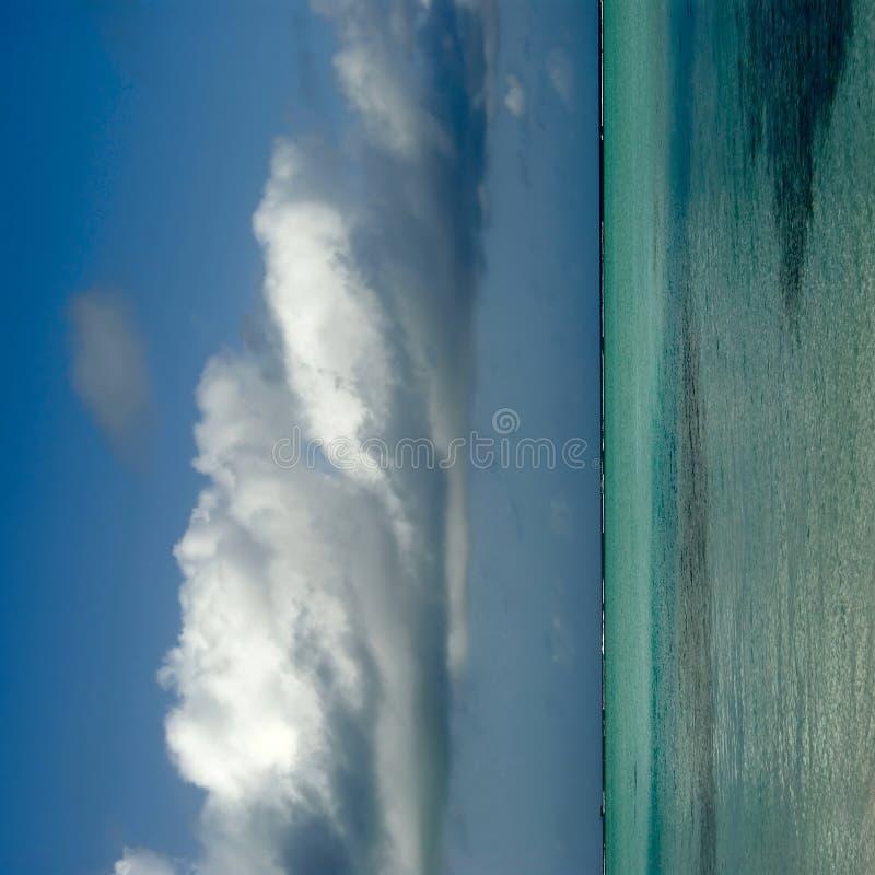Côte maldivienne d'île photo stock