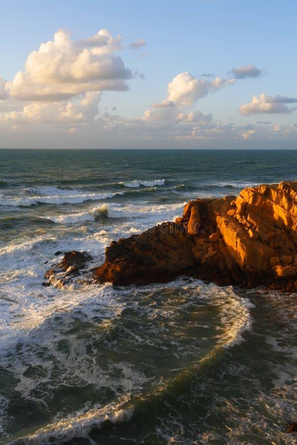 Côte marocaine chez l'Océan Atlantique photos stock