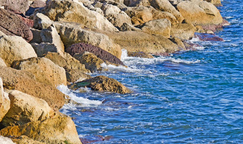 Côte rocheuse en Sardaigne photos libres de droits
