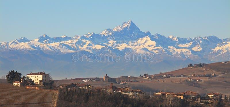 Côtes et montagnes. Piedmotn, Italie. image stock