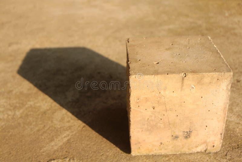 Cúbico e luz solar imagem de stock